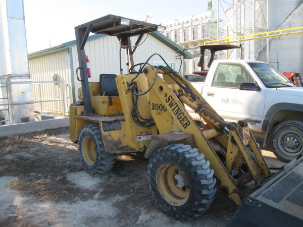 Swinger 100 loader